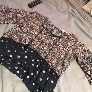 Tops - abercrombie floral flow top
